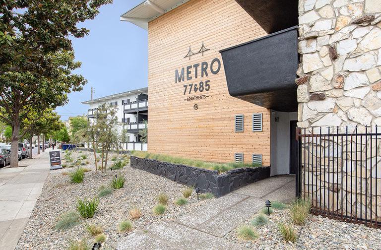 metro-77-and-85-thumb